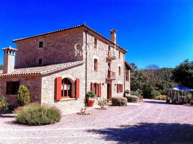 10 bedroom Finca/Country House for sale in Borreda with pool garage - € 1,800,000 (Ref: 4977142)