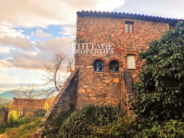 4 bedroom Finca/Country House for sale in Santa Coloma de Farners with pool garage - € 485,000 (Ref: 4977174)
