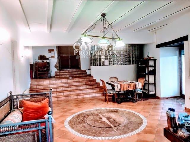 9 chambre Finca/Maison de Campagne à vendre à Cabanelles avec piscine garage - 1 290 000 € (Ref: 4977190)