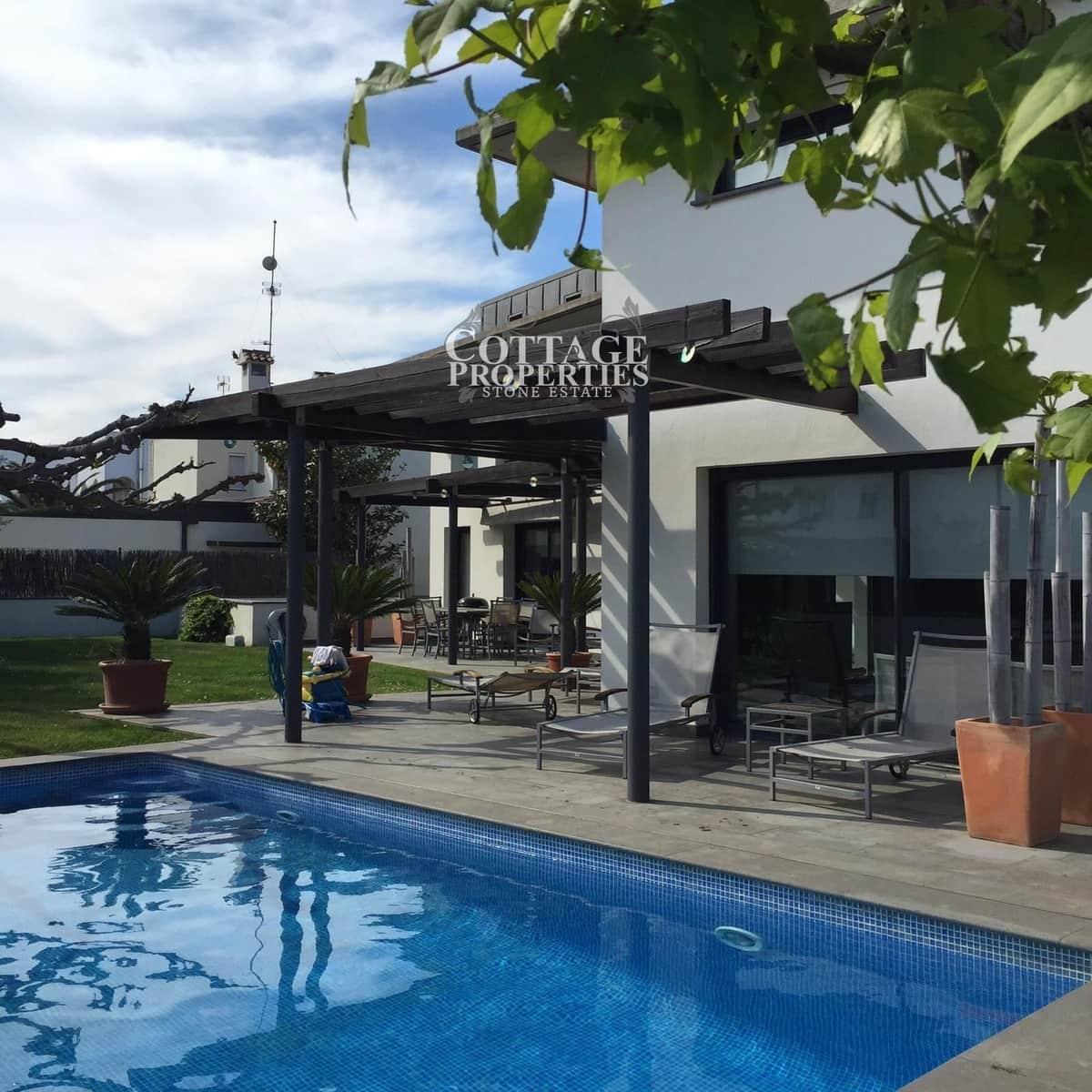 3 sovrum Villa till salu i Roses med pool garage - 730 000 € (Ref: 5178235)