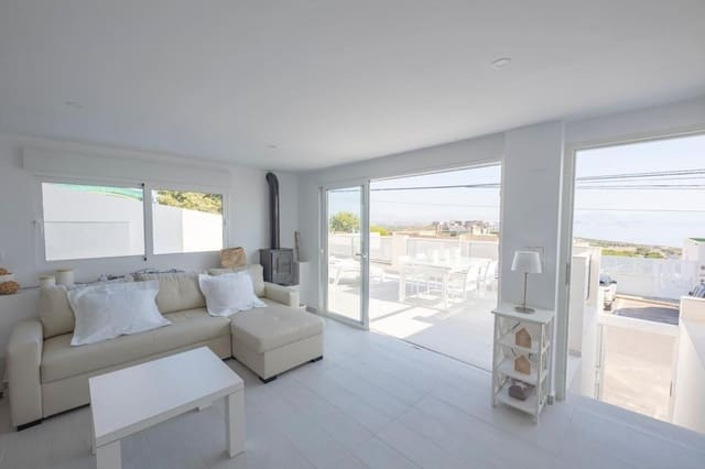 2 bedroom Bungalow for holiday rental in Gran Alacant with pool - € 1,750 (Ref: 5015726)
