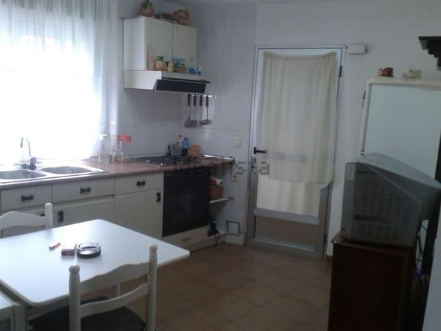 4 sovrum Villa till salu i Lecinena - 72 999 € (Ref: 5735087)