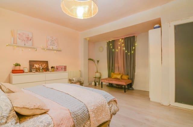 Piso de 4 habitaciones en Catarroja en venta - 75.000 € (Ref: 5900069)