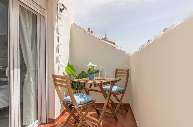 2 bedroom Penthouse for sale in Malaga city - € 400,000 (Ref: 5943950)