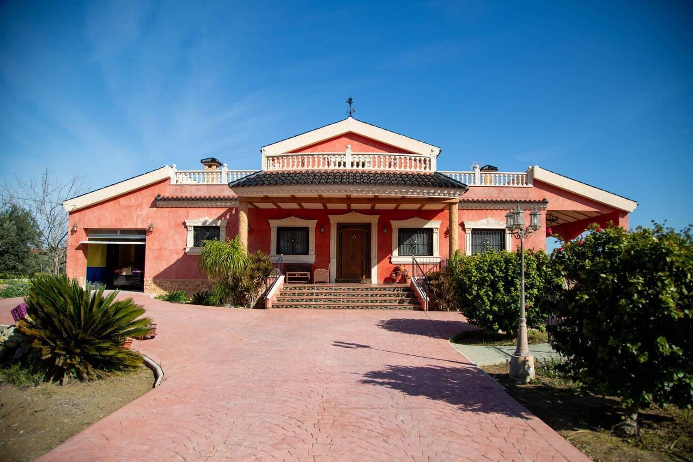 Chalet de 3 habitaciones en Orihuela en venta con piscina garaje - 550.000 € (Ref: 5089745)