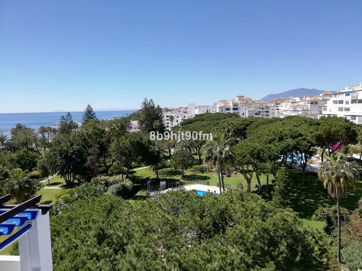 4 bedroom Apartment for sale in Marbella with garage - € 2,000,000 (Ref: 5169947)