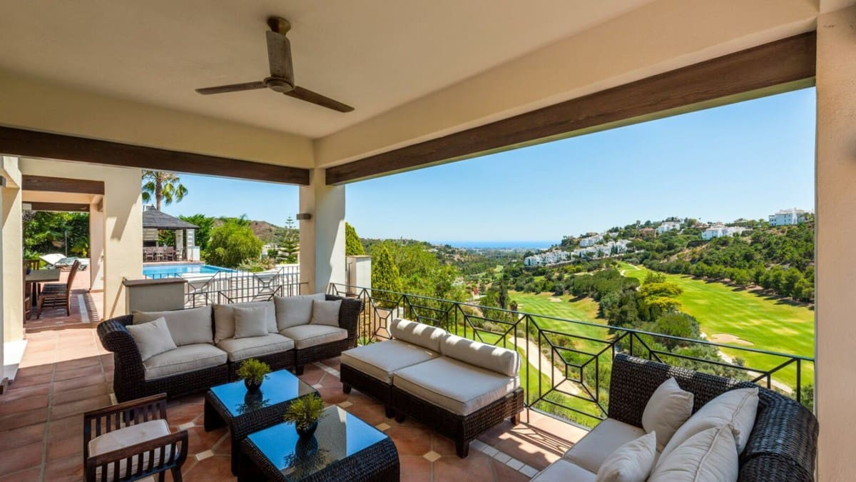 7 bedroom Villa for sale in Marbella - € 2,295,000 (Ref: 5170073)
