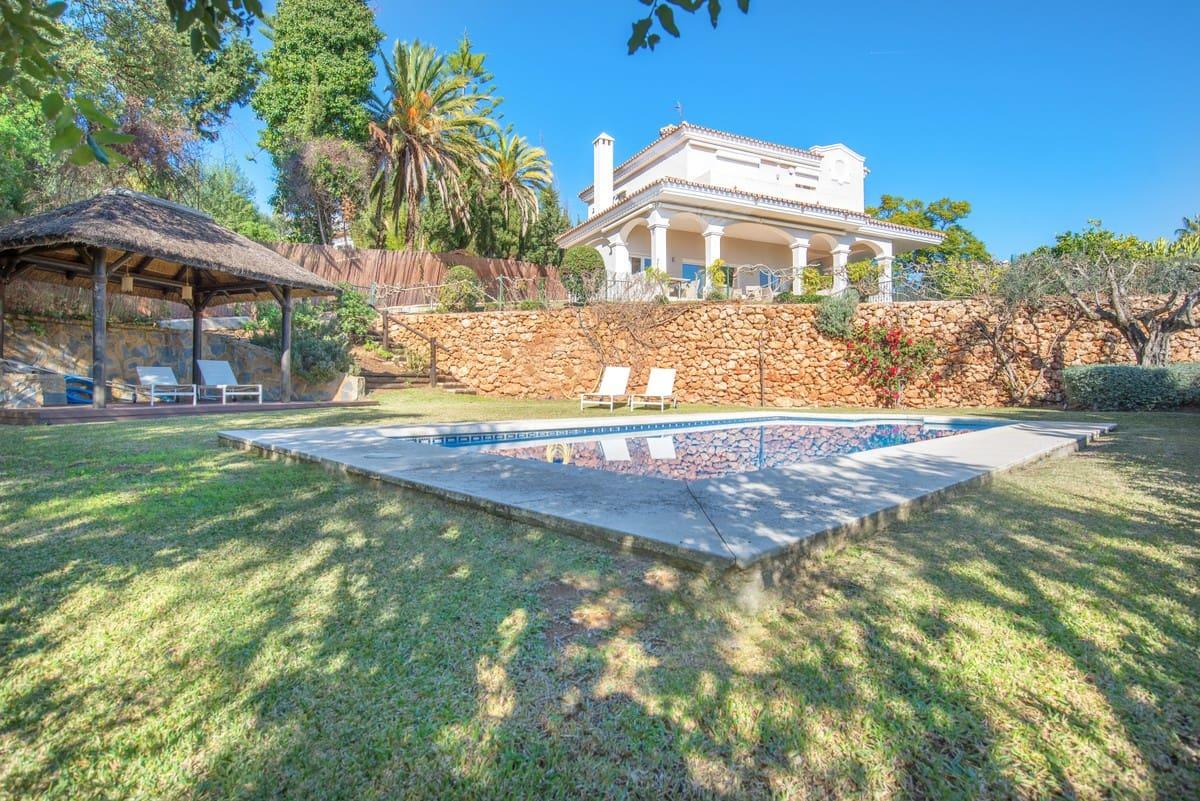 6 bedroom Villa for sale in Marbella - € 1,695,000 (Ref: 5170086)