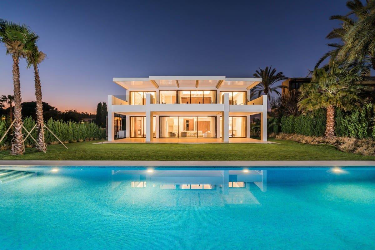 6 bedroom Villa for sale in Marbella - € 3,500,000 (Ref: 5170097)