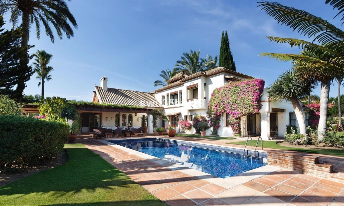 7 bedroom Villa for sale in Marbella with garage - € 2,995,000 (Ref: 5170158)