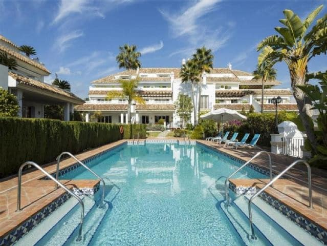 4 bedroom Apartment for sale in Marbella with garage - € 1,200,000 (Ref: 5170196)