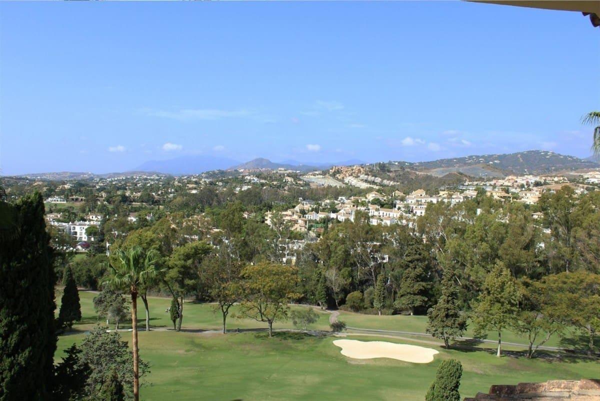 Building Plot for sale in Marbella - € 1,249,000 (Ref: 5170198)
