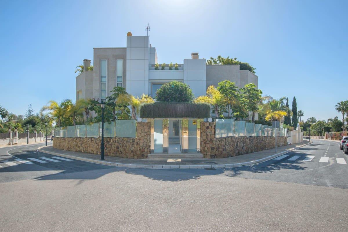 6 bedroom Villa for sale in Marbella with garage - € 4,995,000 (Ref: 5170204)