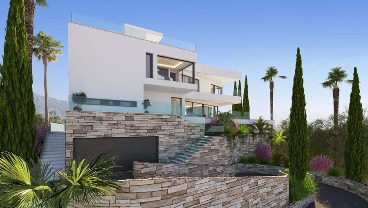 6 bedroom Villa for sale in Marbella - € 3,850,000 (Ref: 5170214)