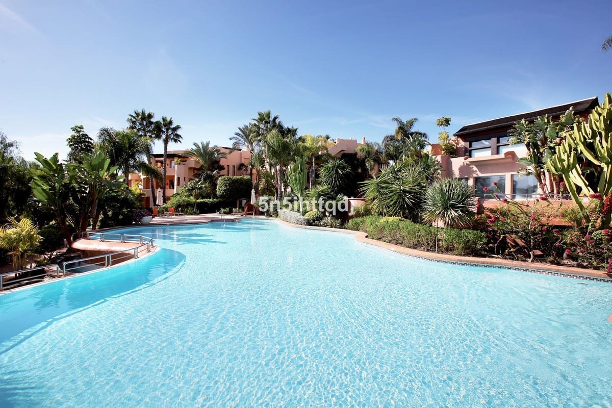 3 bedroom Apartment for sale in Marbella - € 799,000 (Ref: 5178366)