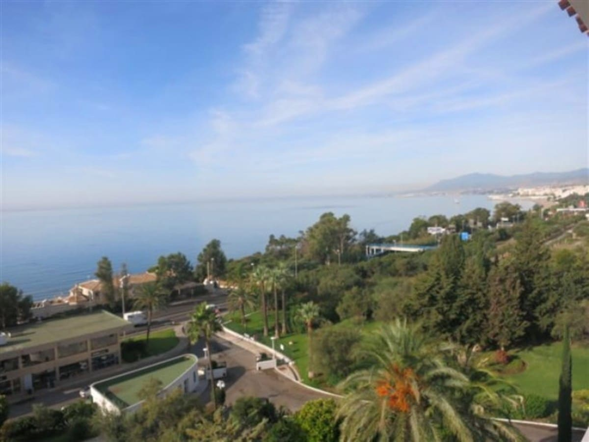 4 bedroom Apartment for sale in Marbella with garage - € 790,000 (Ref: 5178370)