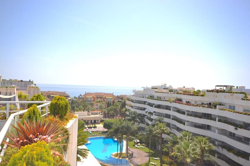 4 bedroom Apartment for sale in Marbella - € 2,700,000 (Ref: 5178375)