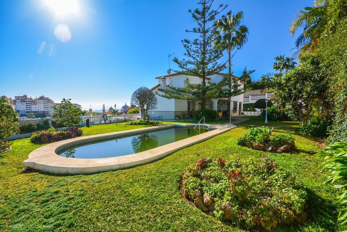 6 bedroom Villa for sale in Benalmadena with garage - € 727,000 (Ref: 5178422)