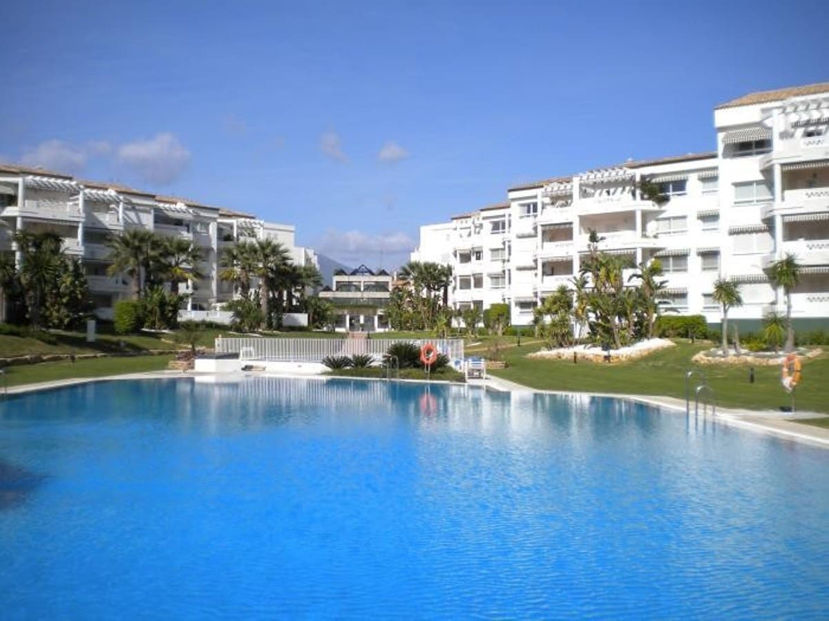 3 bedroom Apartment for sale in Marbella with garage - € 595,000 (Ref: 5178467)