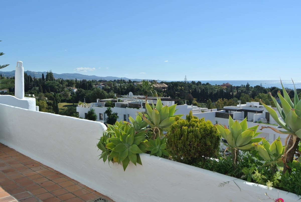 5 bedroom Apartment for sale in Marbella - € 900,000 (Ref: 5178487)