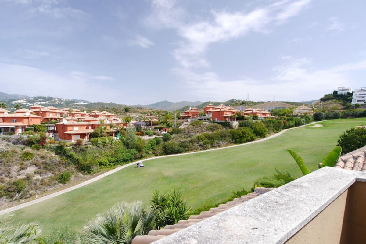 3 bedroom Townhouse for sale in Marbella with garage - € 559,000 (Ref: 5178490)