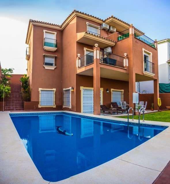 4 bedroom Villa for sale in Marbella with garage - € 1,000,000 (Ref: 5186069)