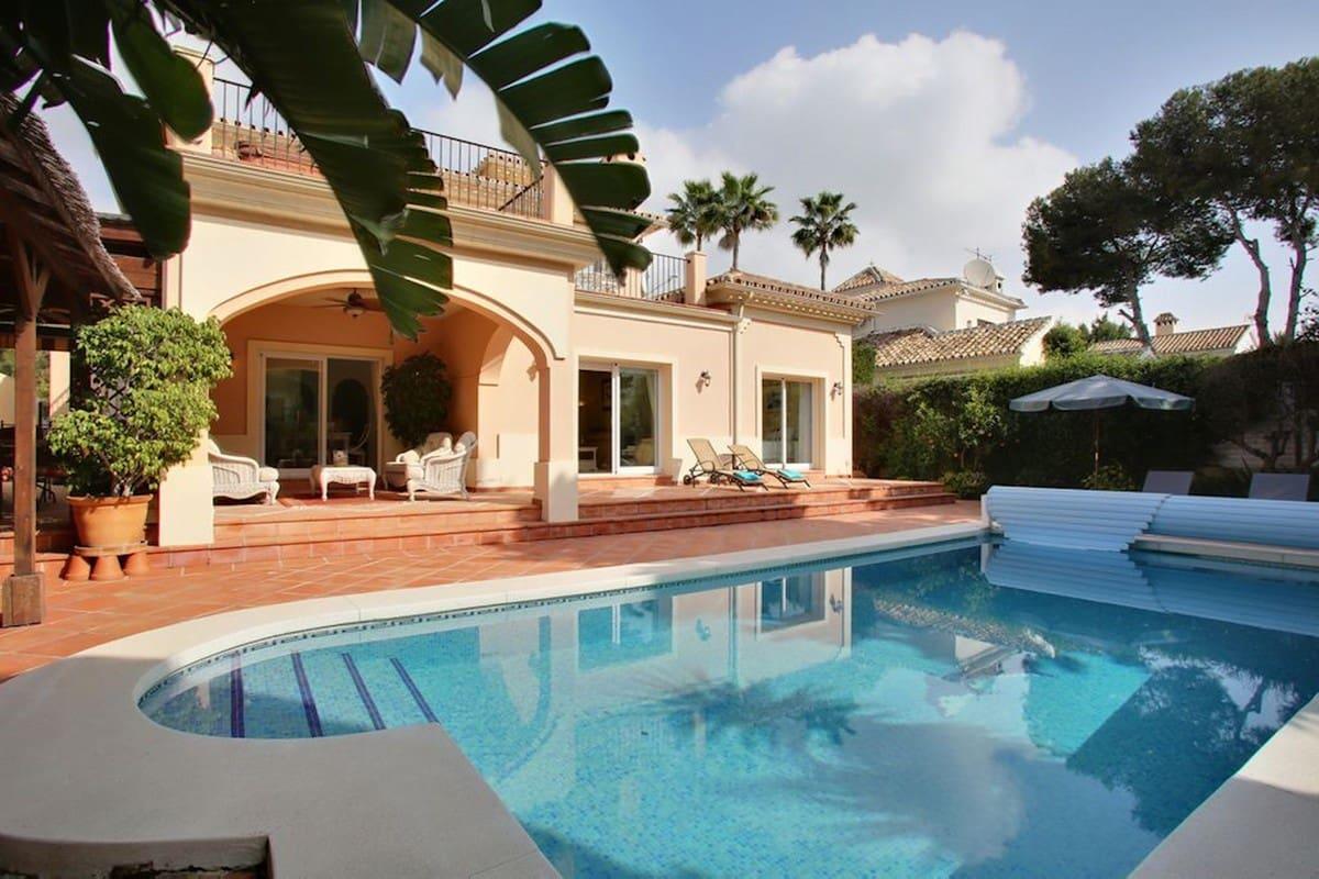 4 bedroom Villa for sale in Marbella - € 925,000 (Ref: 5186132)
