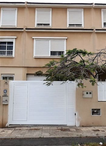 3 soveværelse Semi-Rækkehus til salg i Santa Cruz de Tenerife med garage - € 195.000 (Ref: 6117928)