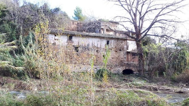 3 makuuhuone Huvila myytävänä paikassa Figueroles - 140 000 € (Ref: 5009667)