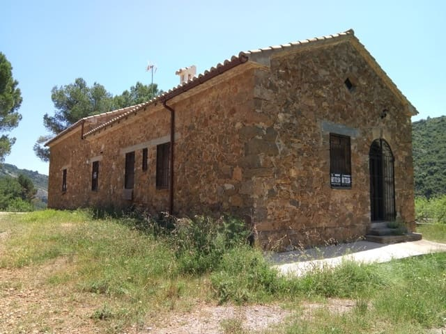 3 soveværelse Villa til salg i Llucena  - € 110.000 (Ref: 5009672)