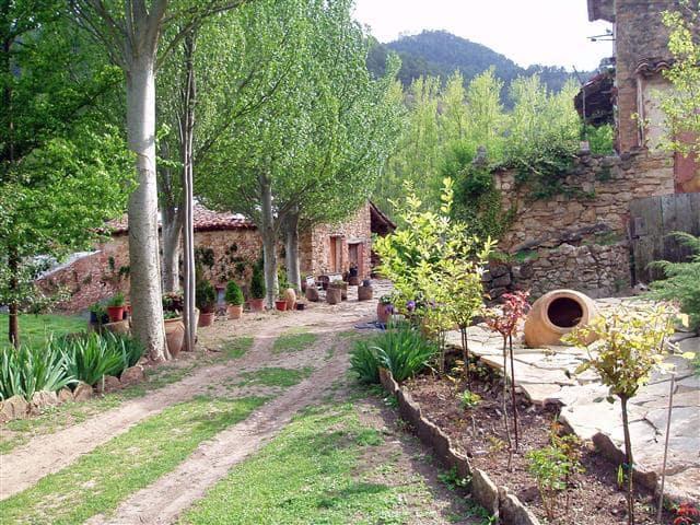 Chalet de 8 habitaciones en Linares de Mora en venta - 395.000 € (Ref: 5010384)