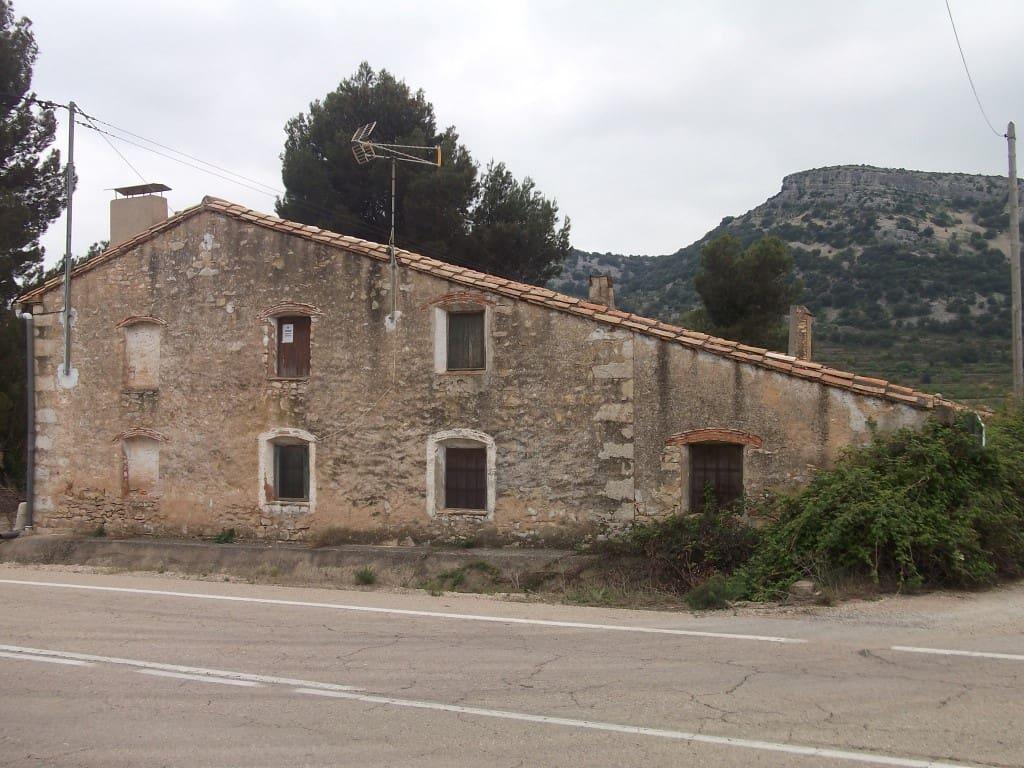 Chalet de 6 habitaciones en Benassal en venta con garaje - 275.000 € (Ref: 5011679)