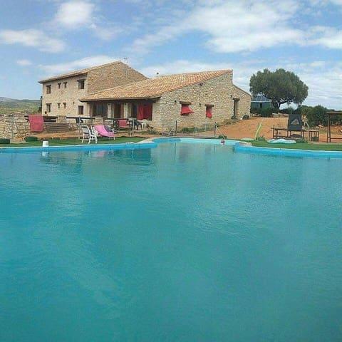 6 Zimmer Villa zu verkaufen in La Salzedella mit Pool Garage - 740.000 € (Ref: 5011694)