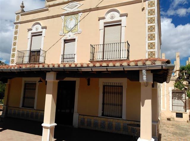 6 sovrum Villa till salu i Castello de la Plana med garage - 480 000 € (Ref: 5013005)