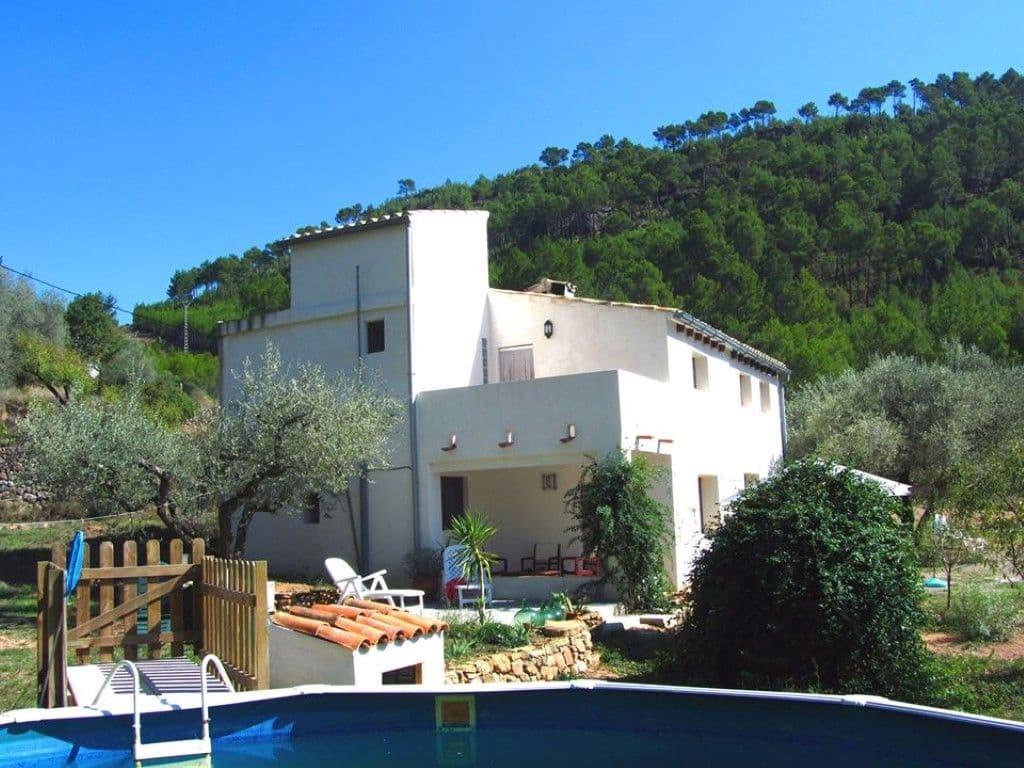 Chalet de 4 habitaciones en Llucena  en venta con piscina - 195.000 € (Ref: 5968596)