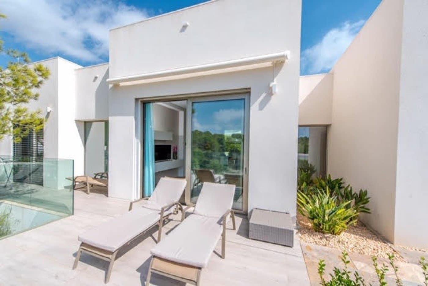 Chalet de 4 habitaciones en Las Colinas Golf en venta con piscina - 675.000 € (Ref: 5033903)