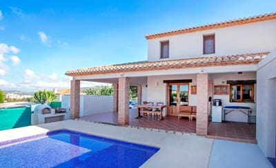 4 bedroom Villa for sale in Gata de Gorgos with pool - € 390,000 (Ref: 5340273)