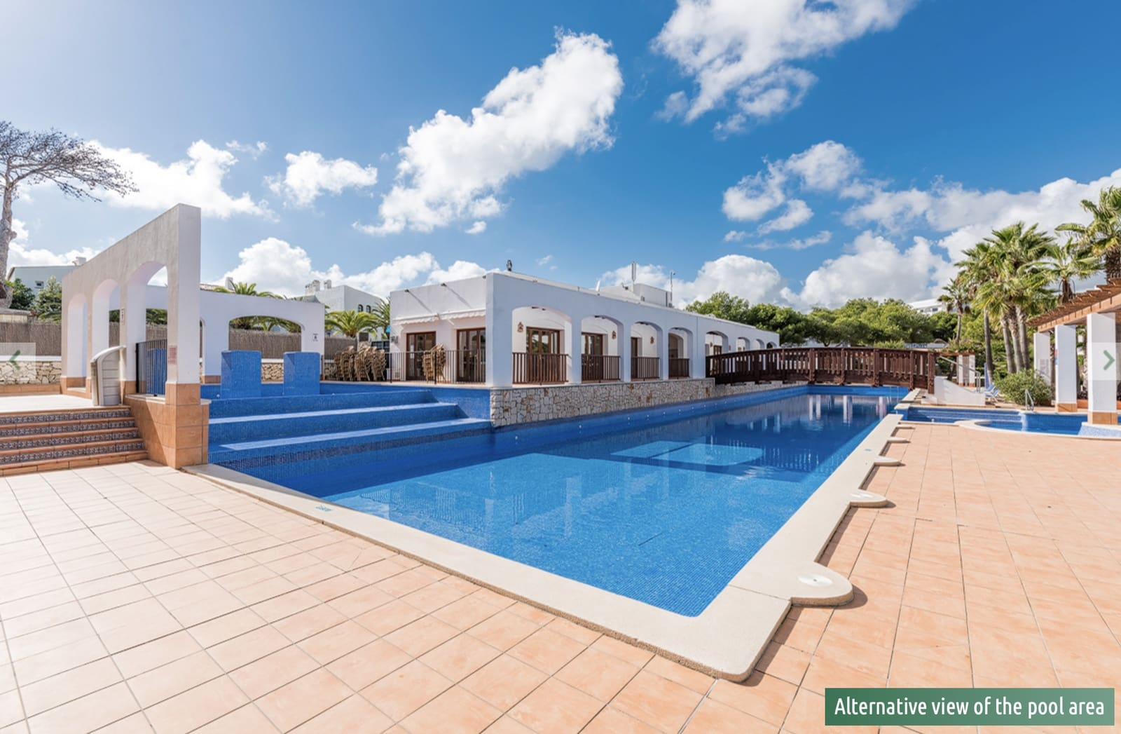 2 bedroom Apartment for sale in Cala d'Or with pool - € 235,000 (Ref: 5190137)