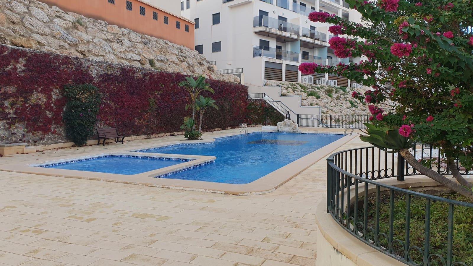 Apartamento de 2 habitaciones en Orihuela en venta con piscina garaje - 143.000 € (Ref: 5035896)