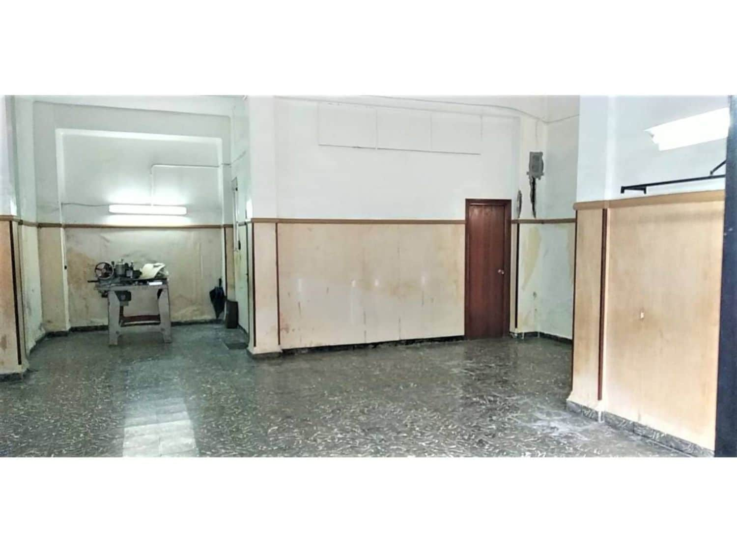 Commercial for sale in Valencia city - € 135,000 (Ref: 5069639)