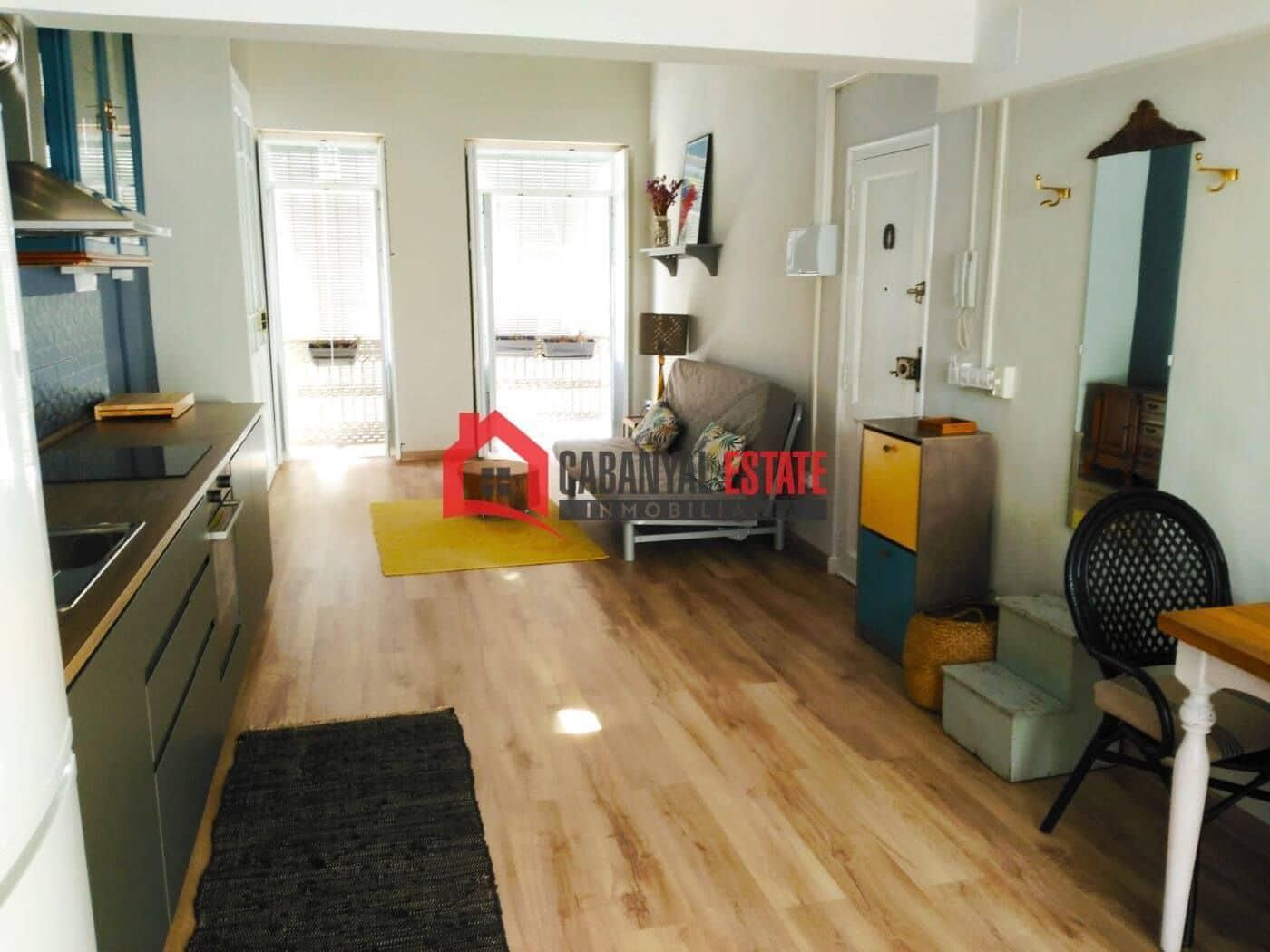 1 slaapkamer Appartement te huur in Valencia stad - € 750 (Ref: 5304422)