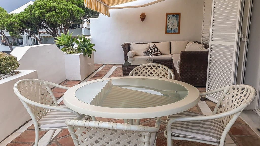 2 bedroom Apartment for sale in Marbella with pool garage - € 345,000 (Ref: 5173728)