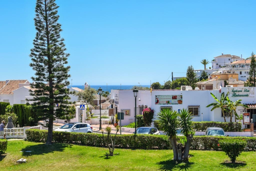 2 bedroom Townhouse for sale in Nerja with pool - € 230,000 (Ref: 5173817)