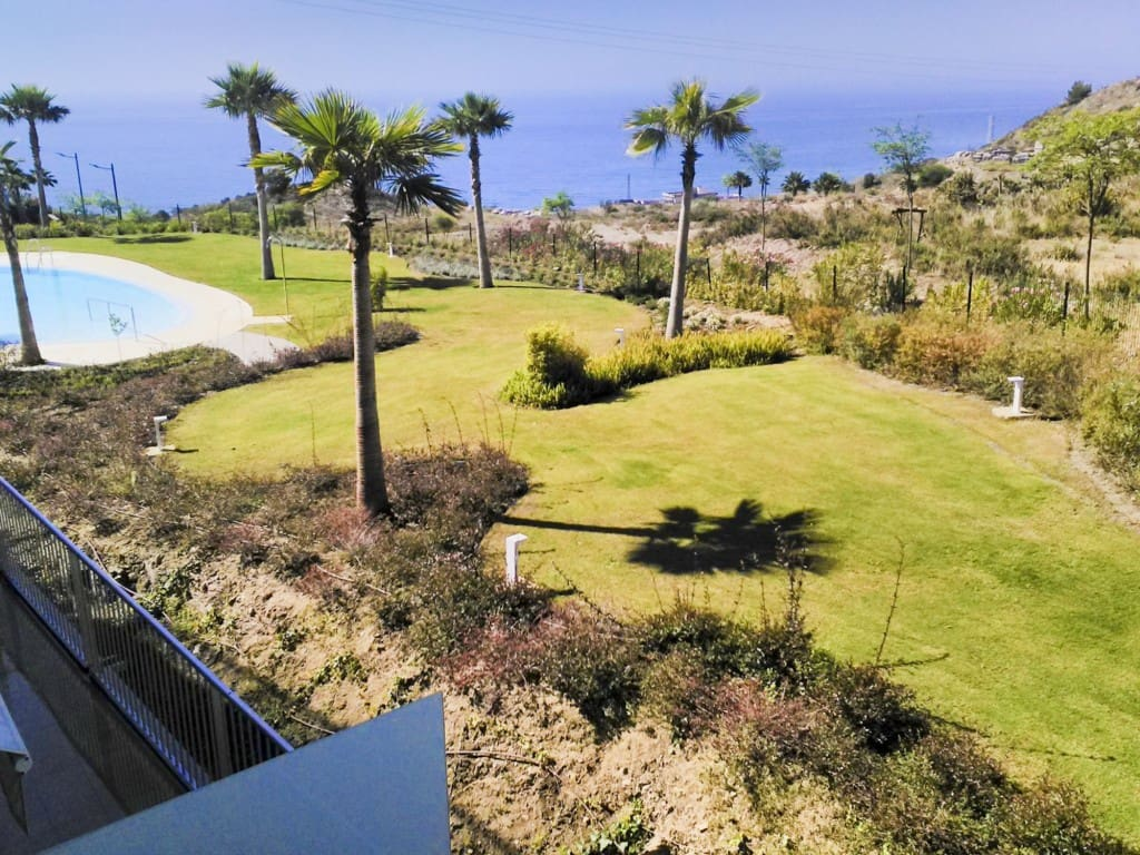 2 bedroom Apartment for sale in Benalmadena with pool - € 385,000 (Ref: 5173826)