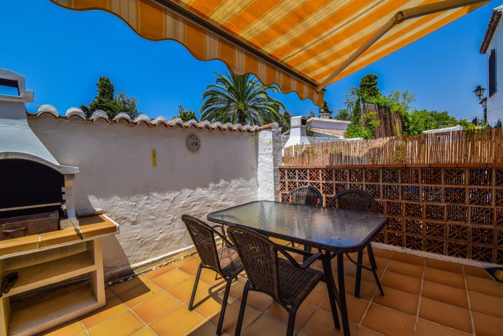 2 bedroom Townhouse for sale in Nerja with pool - € 265,000 (Ref: 5173863)