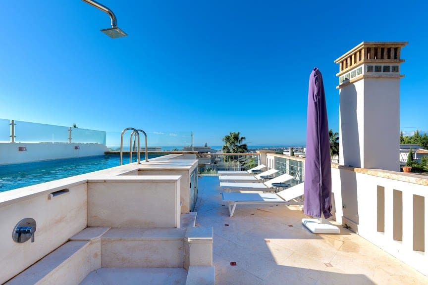 5 bedroom Townhouse for sale in Marbella with pool garage - € 1,995,000 (Ref: 5173905)