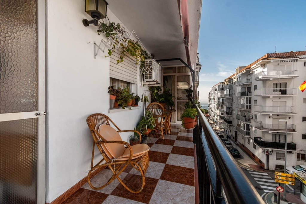 2 bedroom Apartment for sale in Nerja with pool - € 219,000 (Ref: 5173971)