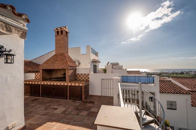 4 makuuhuone Omakotitalo myytävänä paikassa Nerja mukana uima-altaan - 295 000 € (Ref: 5800782)