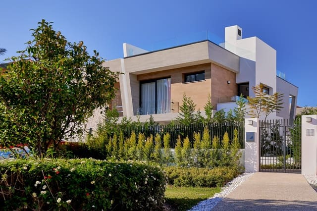 3 soveværelse Rækkehus til salg i San Pedro de Alcantara med swimmingpool - € 1.697.000 (Ref: 5897240)