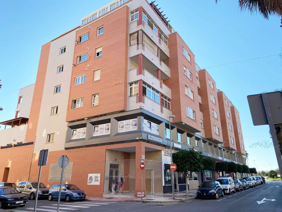 3 quarto Apartamento para venda em El Parador de las Hortichuelas com piscina - 136 000 € (Ref: 6185400)
